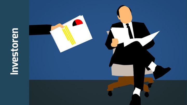 Illustration: Stilisierter Geschäftsmann mit Schlips und Kragen sitzt auf einem Stuhl und blättert in Papieren.